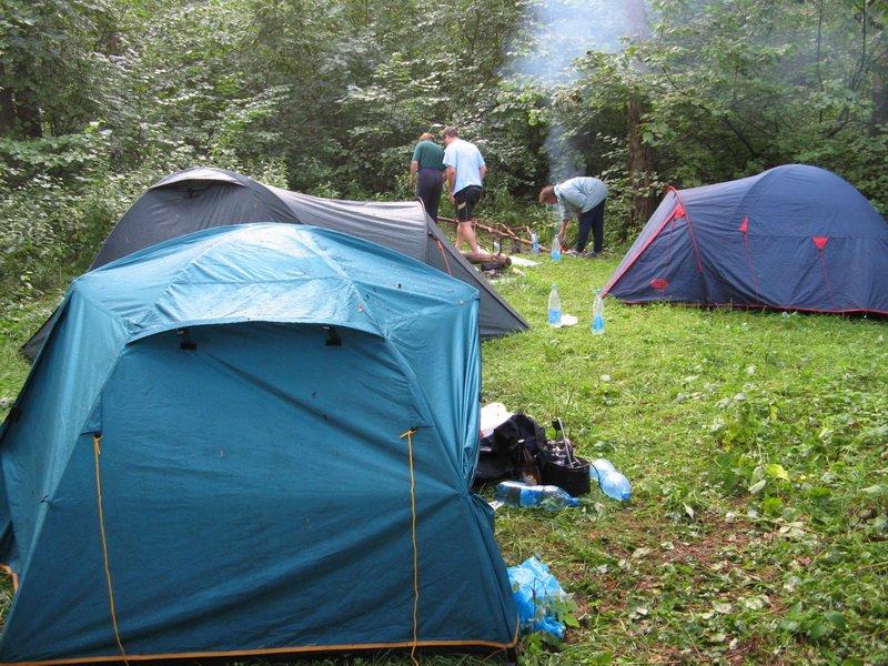 Наш лагерь в леске неподалеку от Нерли.